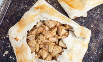 baked apple galettes