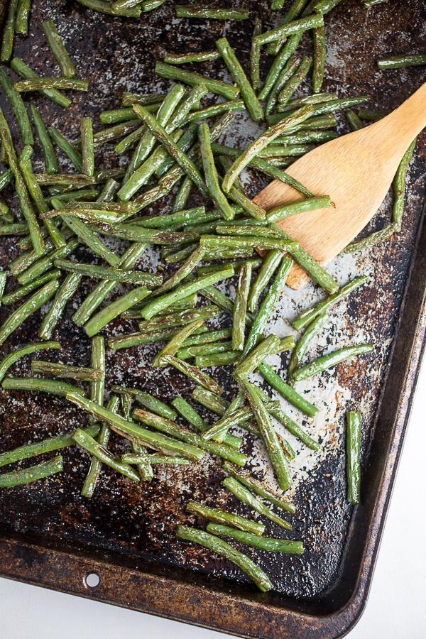 Roasted green beans on sheet pan